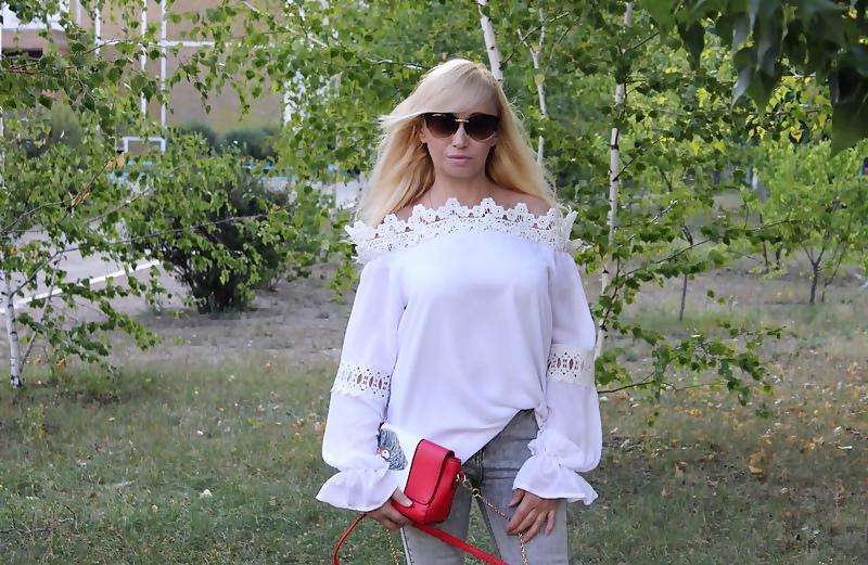 DRESSLILY Haul: Off the Shoulder Blouse. Блуза с открытыми плечами, декорированная кружевом.