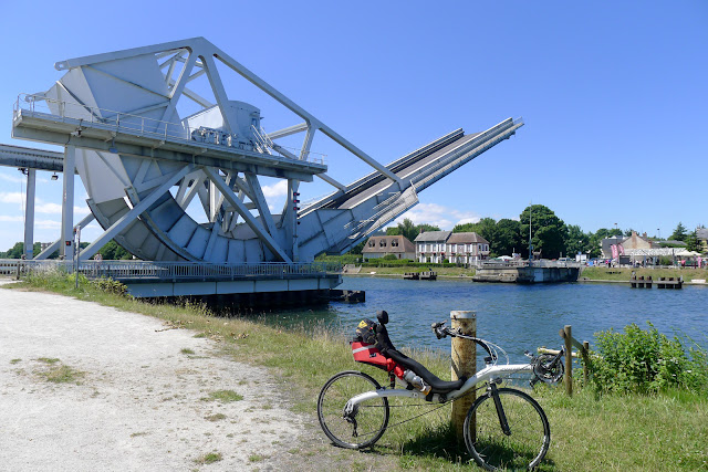 En vélo couché de Paris à la Normandie, Pegasus Bridge