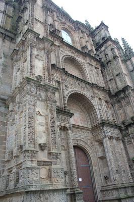 Portada gótica de la catedral Nueva de Plasencia