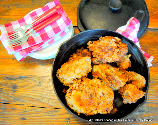Old Black Pot Buttermilk Chicken at Miz Helen's Country Cottage
