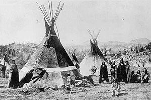 Acampamento Shoshone nas Montanhas de Wind River de Wyoming, fotografados por WH Jackson de 1870