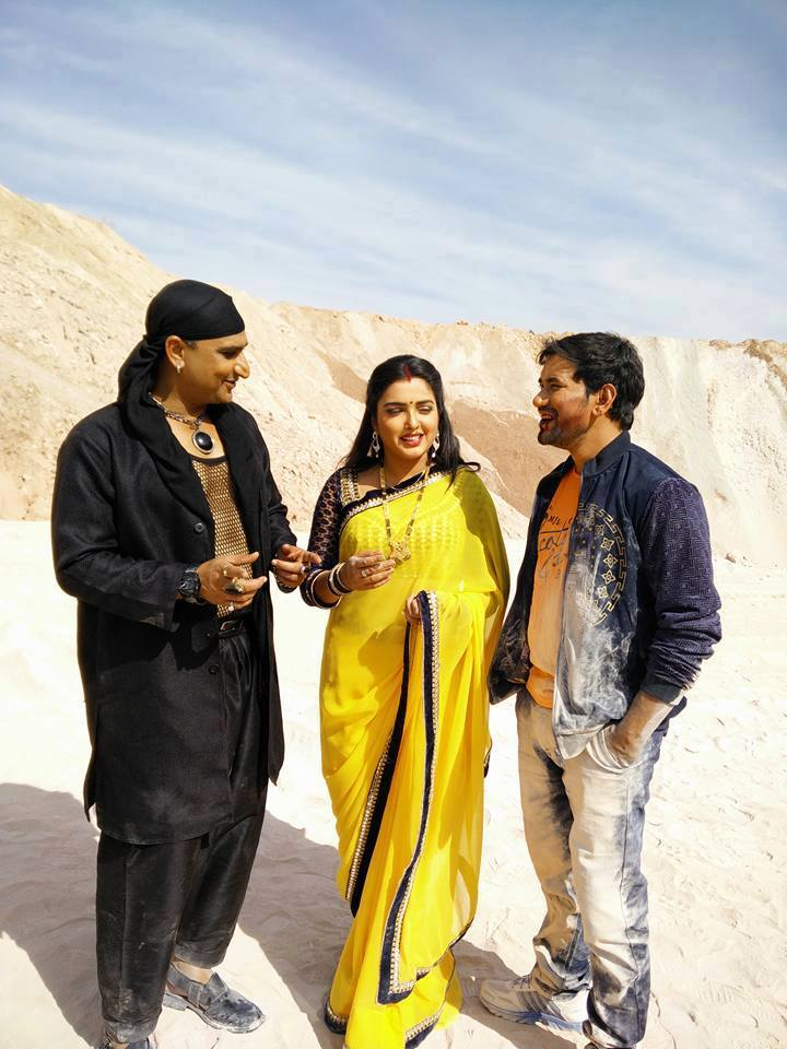 dinesh lal yadav, Awadhesh Mishra and amrapali Photo