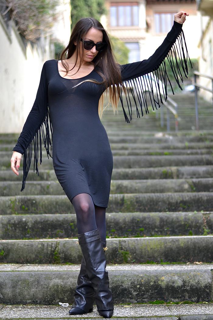 abito nero frange
