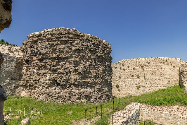 Château du Hugstein — Donjon circulaire dépourvu de son parement