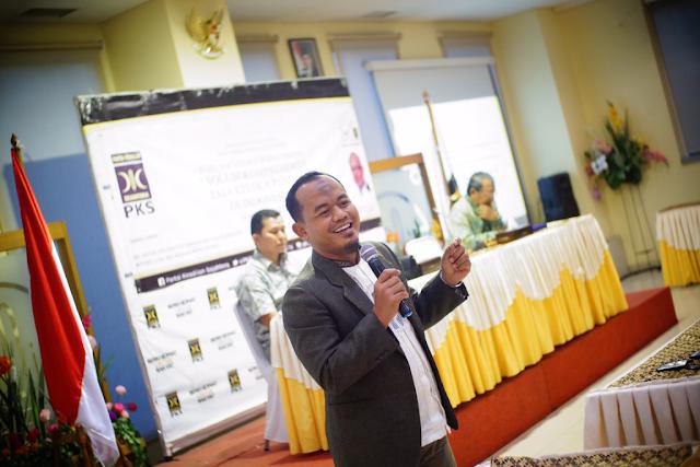 PKS Serukan Presiden Jokowi Ajak Dialog Nelayan