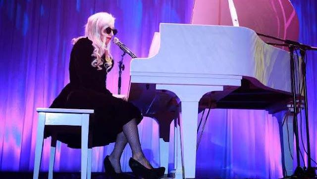 Lady Gaga le rinde tributo a Prince a través de un emotivo mensaje.