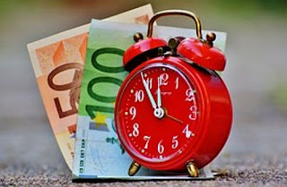 The differences and similarities between time and money