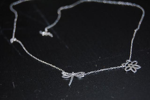Srebrna biżuteria - propozycja prezentowa dla mamy i córki