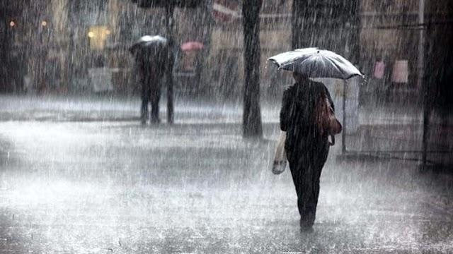 Torna il maltempo, sarà una domenica piovosa: è allerta meteo gialla