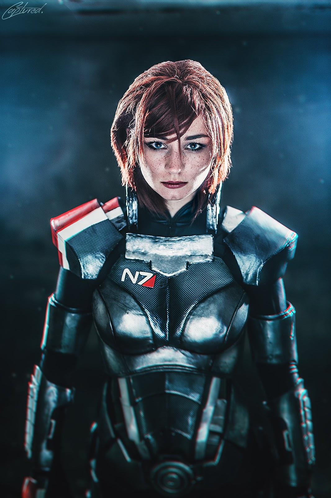 Elarte Cosplay Mass Effect Commander Shepard Cosplay