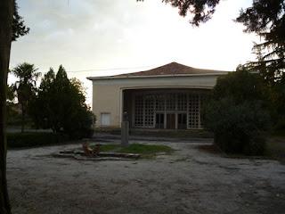 Teatro abandonado en Kvareli