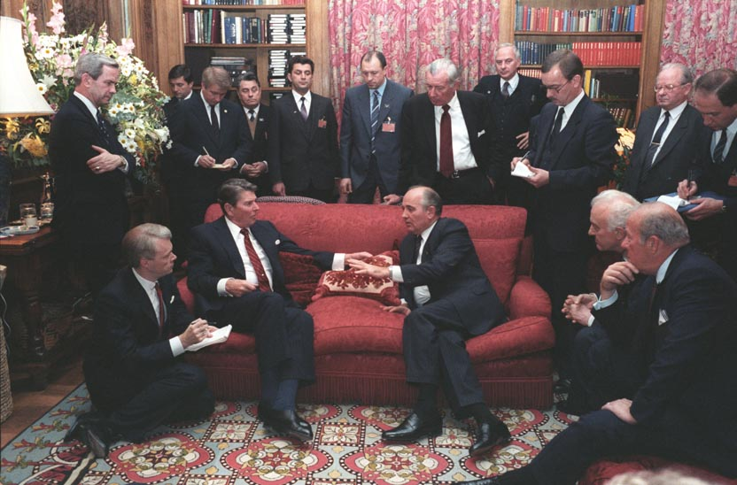 gorbachev and reagan meet in washington