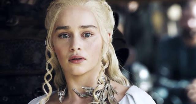 As coisas não param por aí, apesar de não terem identificado a cena e nem a atriz, uma das atrizes desmaiou no set de gravações. Toda a produção tentou acudi-la. O elenco ficou apreensivo sobre o que aconteceria com a colega. Ela acordou minutos depois se sentindo melhor. A atriz foi dispensada do set de Geme of Thrones e retornou no dia seguinte para continuar a gravar.