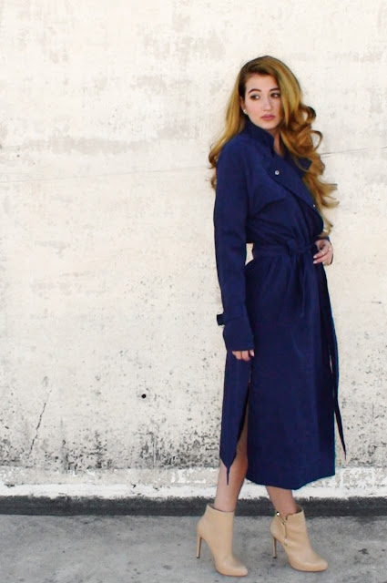 navy coat outfits