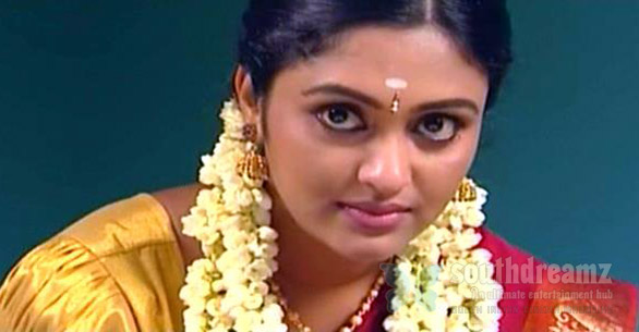 Awesome Actress Photos: Saravanan Meenakshi Actress Sreeja Chandran Saree Photos