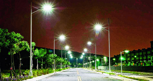 Keunggulan dan Kekurangan Lampu Penerangan Jalan Umum (PJU) Tenaga Surya