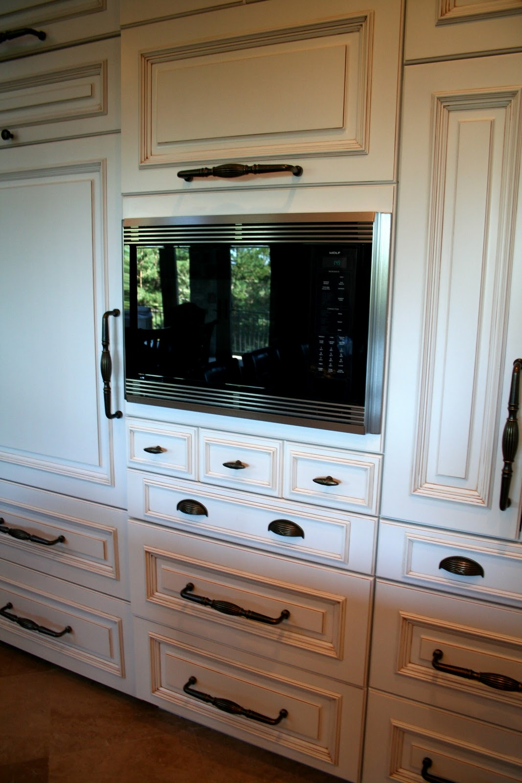 Can You Have Different Size Cabinet Pulls In One Kitchen