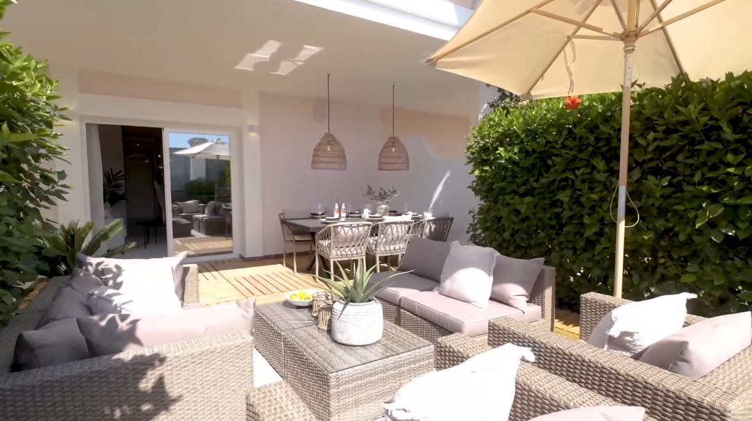 17 Interior Design Photos vs. Aloha Gardens, Marbella Stylish Luxury Townhouse Tour