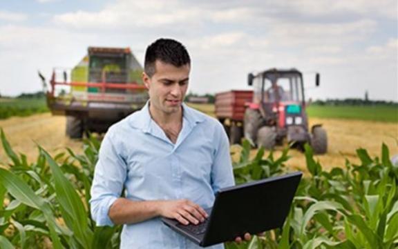 Επιδότηση μέχρι και 50.000 ευρώ για τους αγρότες με πτυχίο από το ΕΣΠΑ