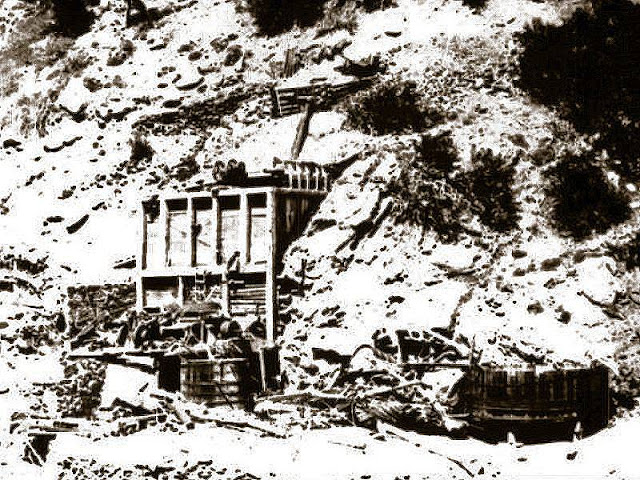 This poor quality photo shows you some of the Gold Ridge Mine's structures. Year is unknown.