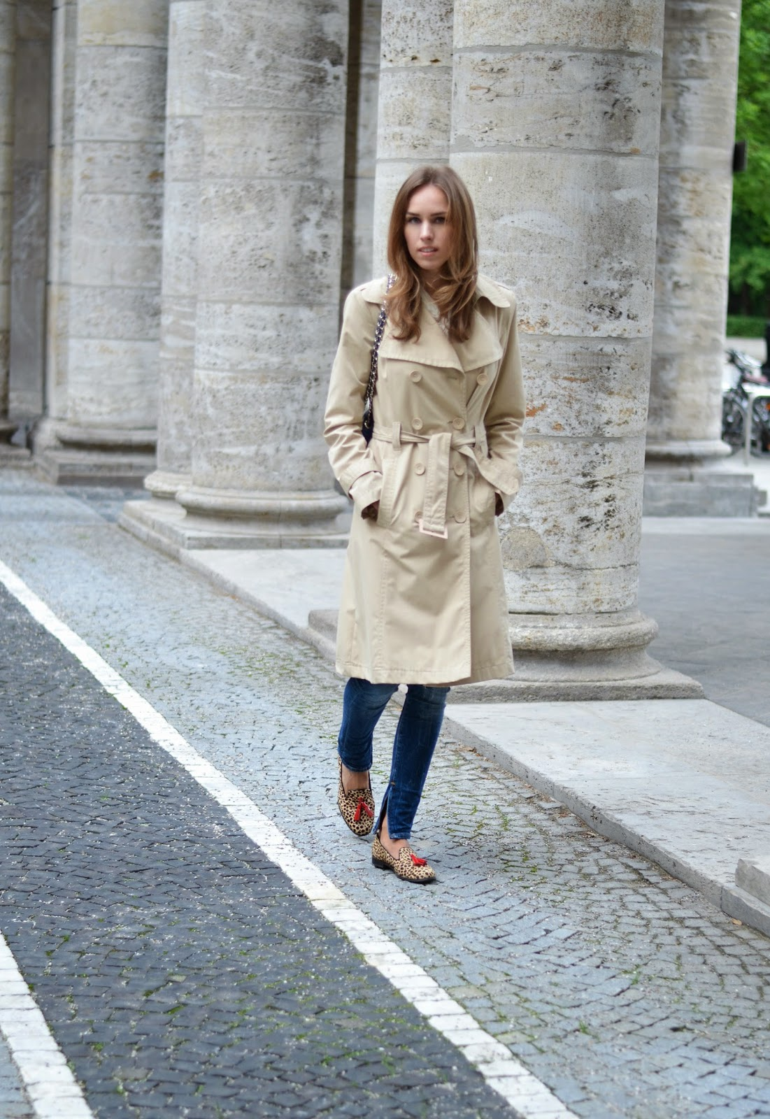 kristjaana mere classic trench coat outfit summer