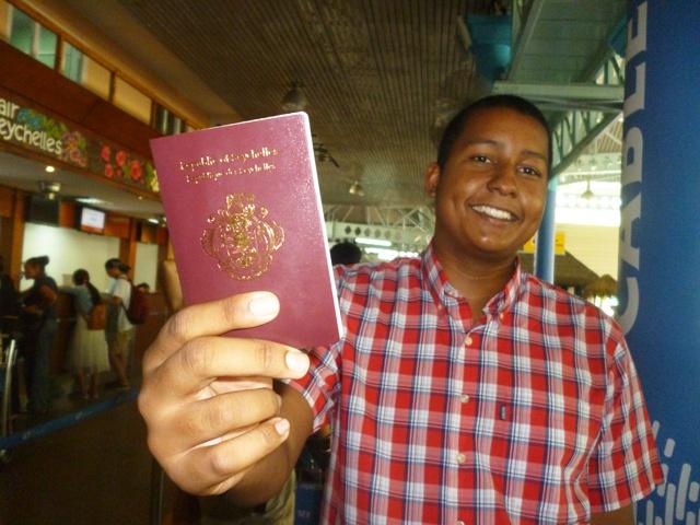 Madooneyaa Pasport :- Dal ka tirsan caalamka oo qofkii doonaya dhalasho iyo baasaboor kaga iibinaya milyan dollar