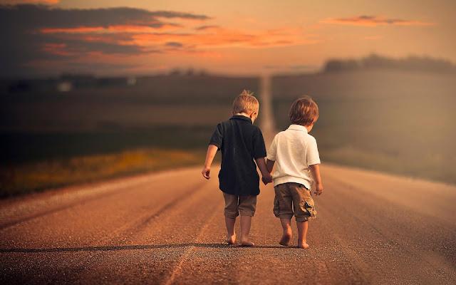 malisani-najbolji-drugari-mladi-decaci-klinci-druzenje