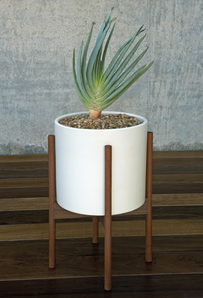 Thanks To The Wonders Of Internet I Stumbled Across Case Study Cylinder Plant Pot With Stand