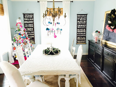 Christmas dining room decorated- The Style Sisters