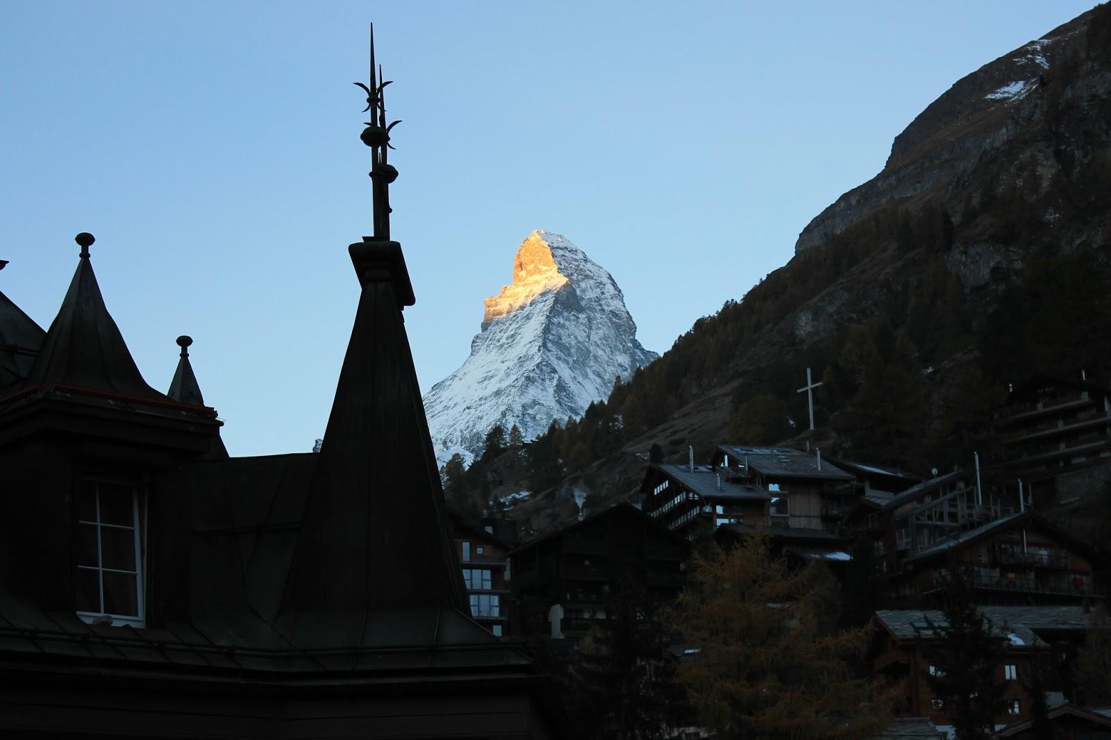 Nascer do Sol na Montanha Matterhon - Zermatt