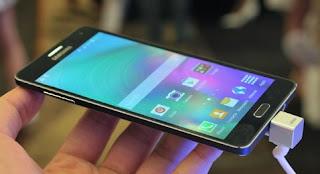 Samsung Galaxy A7 juga merupakan salah satu smartphone android tertipis di dunia
