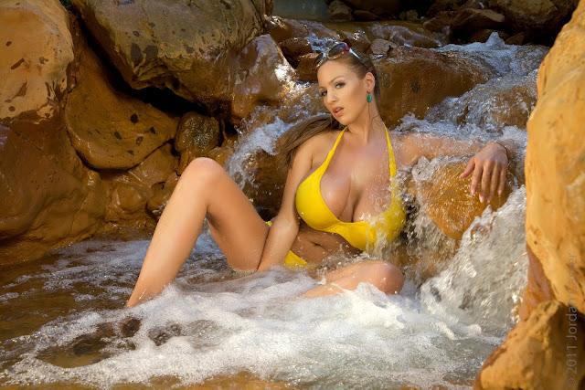 Jordan-Carver-Yellow-River-sexiest-bikini-photoshoot-HD-image-13