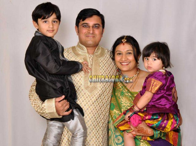 Rekha with husband and Children