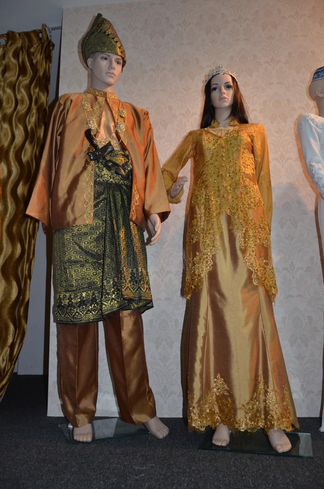 Baju Pengantin 2012 Prom Dresses 2012 And 2012 Formal Gowns