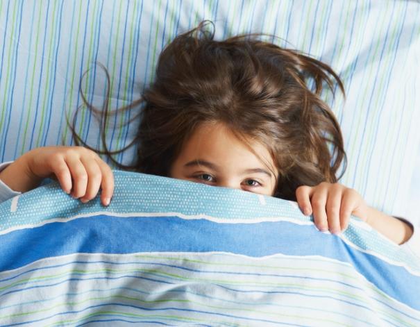 Cara Menghilangkan Kebiasaan Anak yang Suka Ngompol di Kasur Tempat Tidur