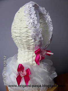 stojak na wino, oryginalny prezent dla młodych, suknia slubna, ślub, wesele,