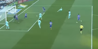 سواريز يعود للتألق سجل ثنائية فى فوز برشلونة على ليجانيس 3-0