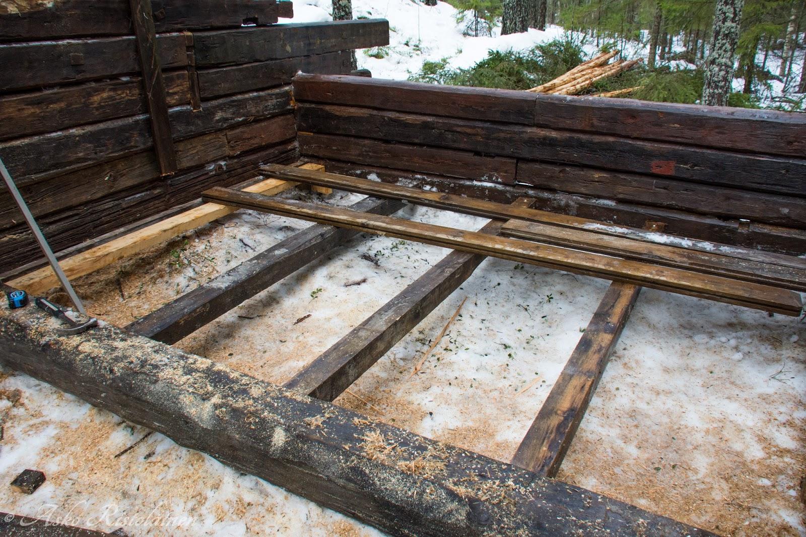 lattian rakentaminen