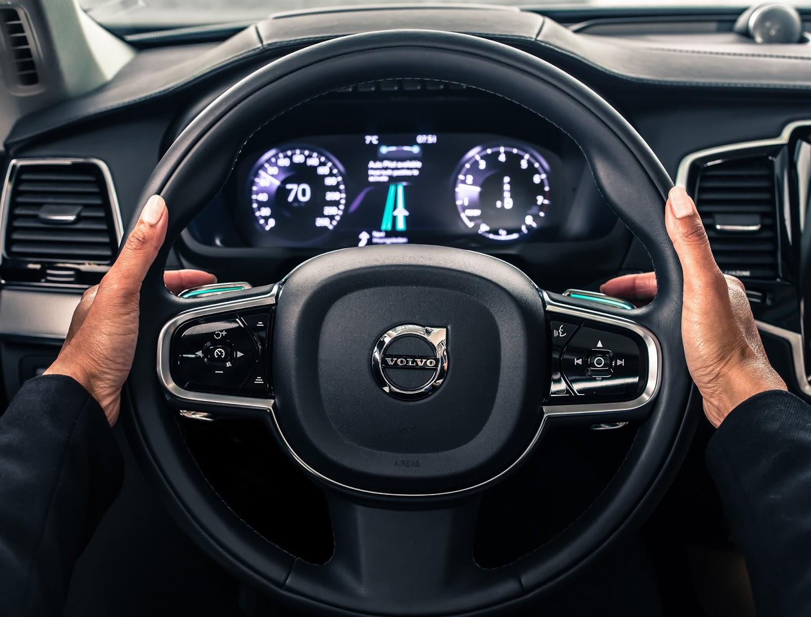VOLVO AUTO%2BPILOT%2BINTELLISAFE 1 Το 2017 η Volvo θα βγάλει στο δρόμο 100 αυτόνομα αυτοκίνητα