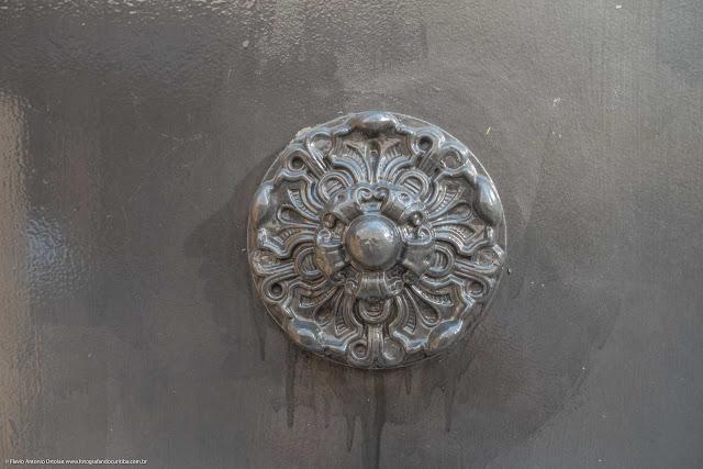 A casa de Augusto Stresser - detalhe no portão
