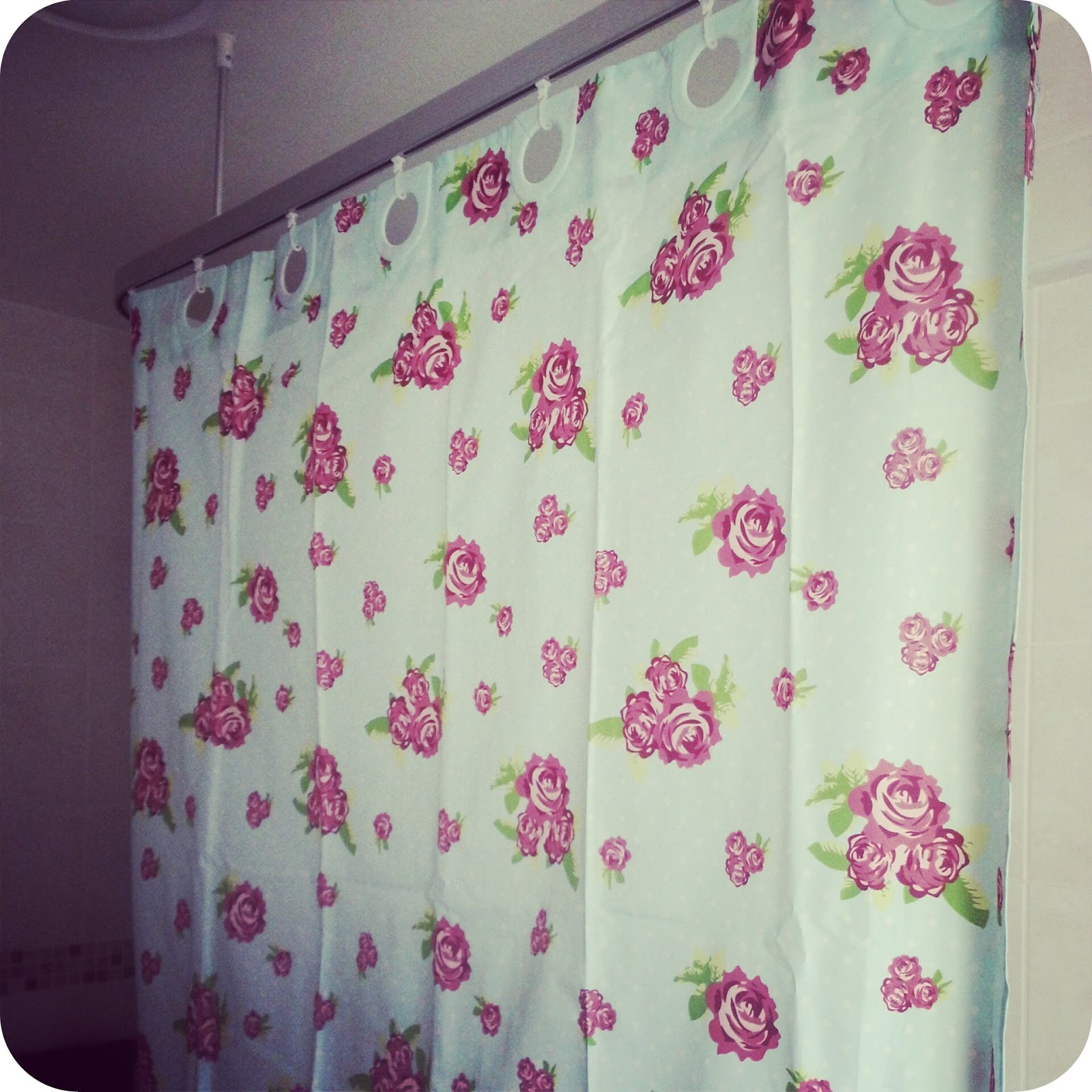 With strong, long established ties with many leading UK suppliers, we are able to offer great quality curtains at the best online prices. Our extensive range of curtains covers a wide spectrum of patterns and fabrics with the sizes and measurements available to meet all your soft furnishing needs.