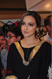 Bollywood Actress Sana Khan Launches Aakrithi Exibition  0095.JPG