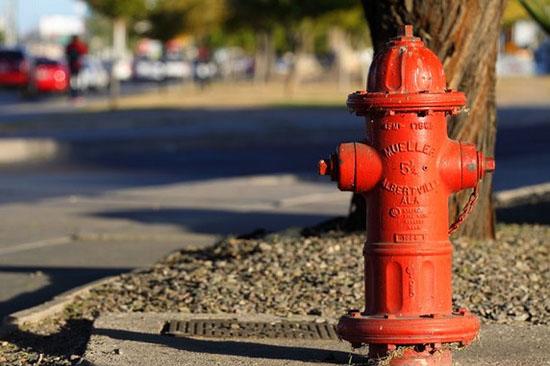 Mortes bizarras - Morto por um hidrante voador