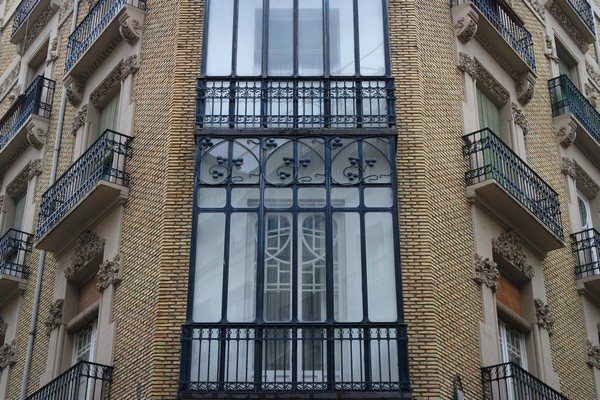 espagne saragosse art nouveau modernisme kiosque calle refugio