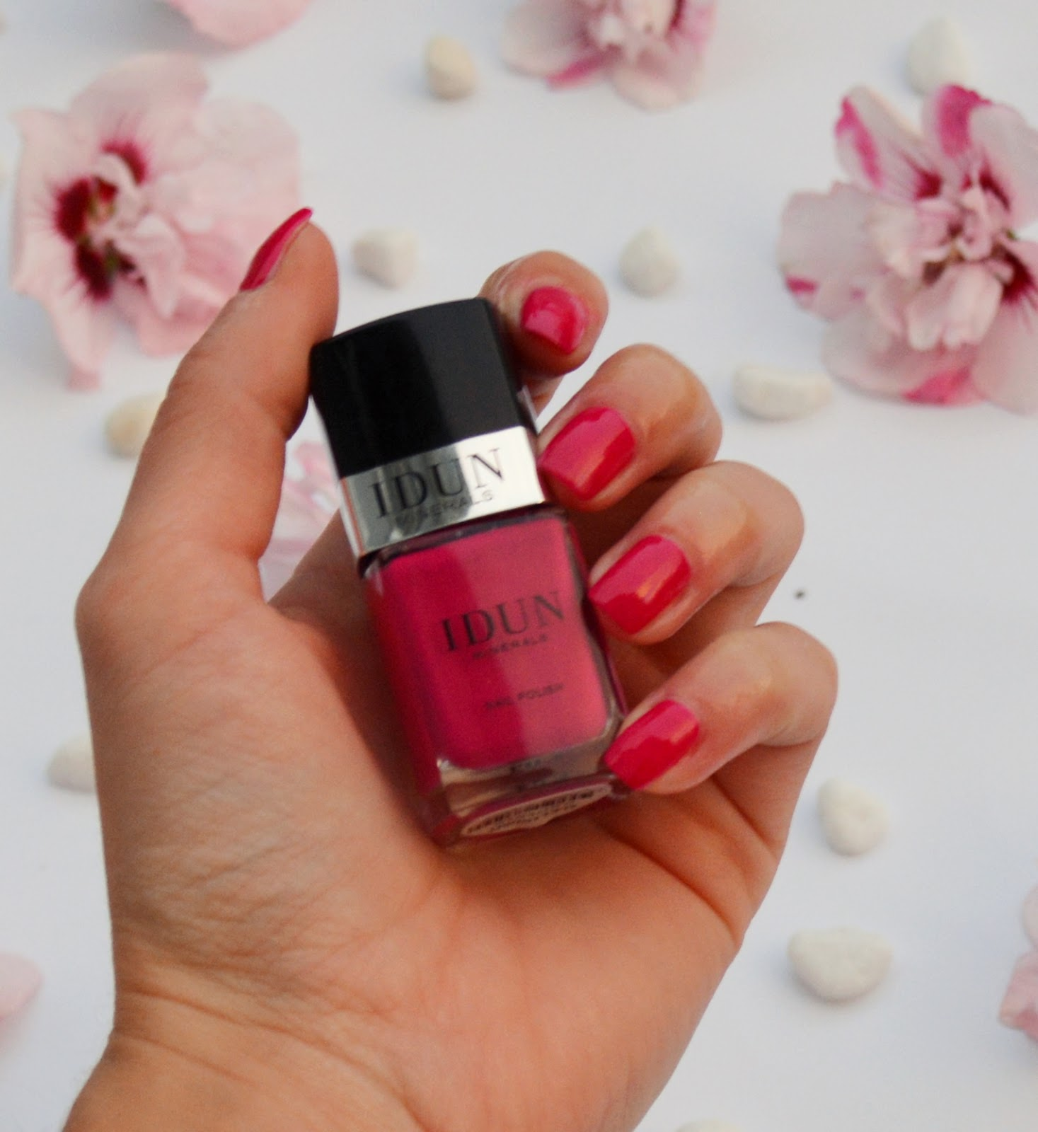 idun-minerals-nail-polish-nail-art-alexandrit