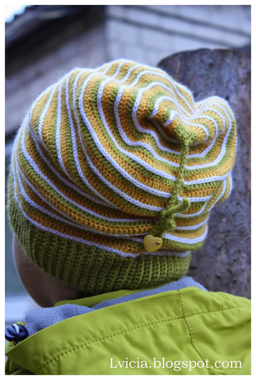 шапка чулок крючком украшенная шнурком и пуговицеймк обсуждение