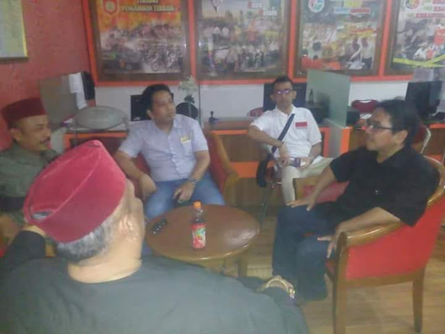 Ade Armando Ketemu Jawara Bekasi Damin Sada, Warganet: Di Sosmed Garang, Didatengin Kayak Hello Kitty