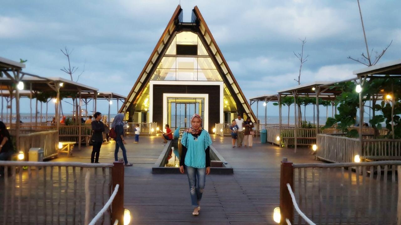 Cirebon Waterland Ade irma Suryani :: hikarisoemarda