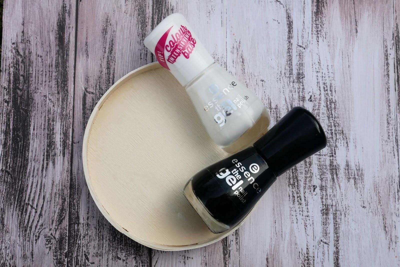 biały i czarny lakier do paznokci