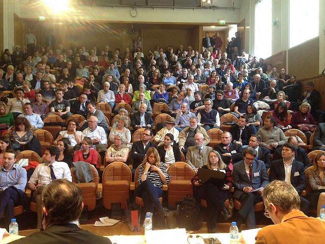 Colóquio pro Putin 'Ocidente contra Europa', na Maison de la Chimie, Paris, assistido por Jeanne Smits